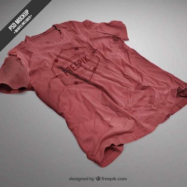 red-t-shirt-mockup_23-292935583